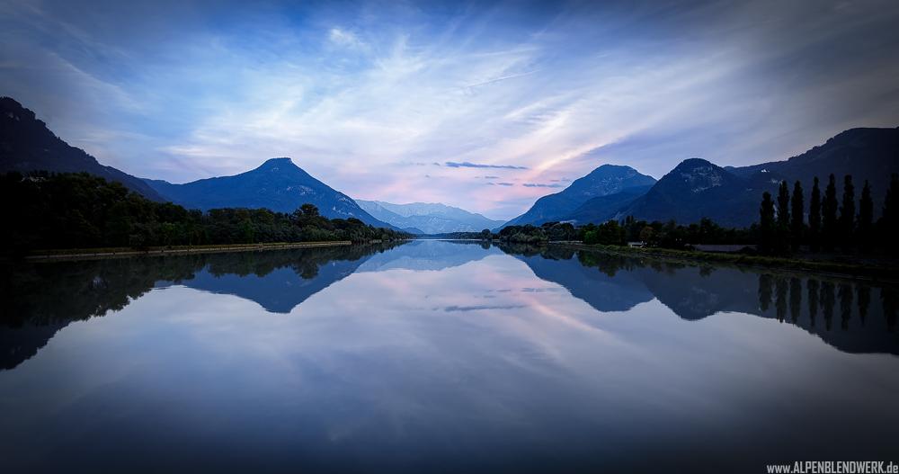 Der Fluss Inn und das Kaisergebirge
