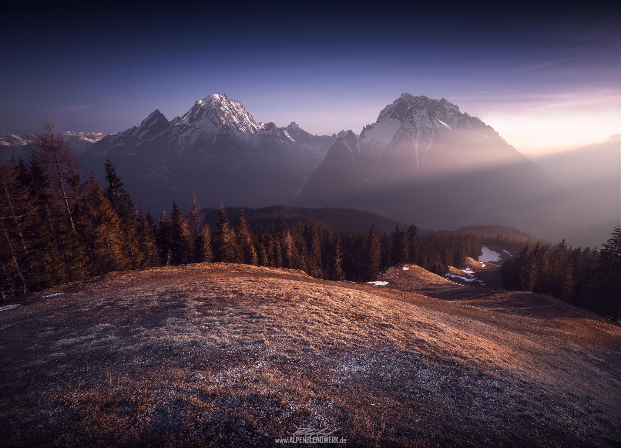 Berge Watzmann und Hochkalter am Abend